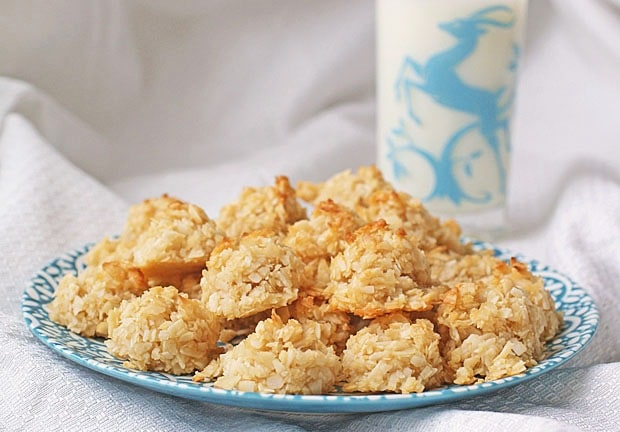 Gluten Free Coconut Macaroons at This Mama Cooks! On a Diet - thismamacooks.com