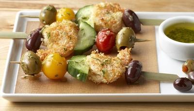 Healthy party appetizers: Crispy Garlic Shrimp Skewers