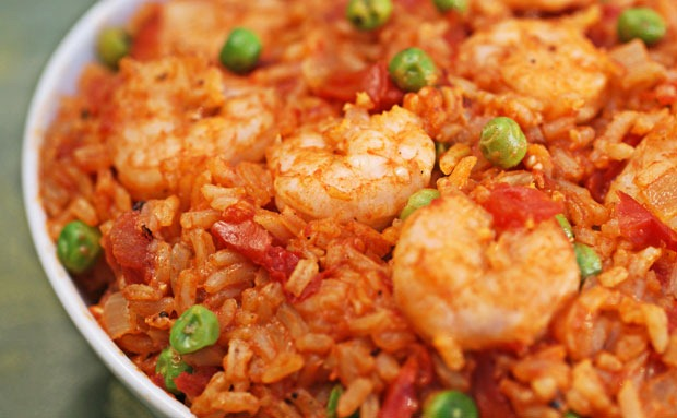 Hunt's® Shrimp and Rice Skillet | At This Mama Cooks! On a Diet - thismamacooks.com