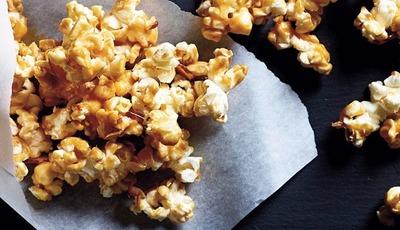 Healthy Peanut Butter Caramel Popcorn