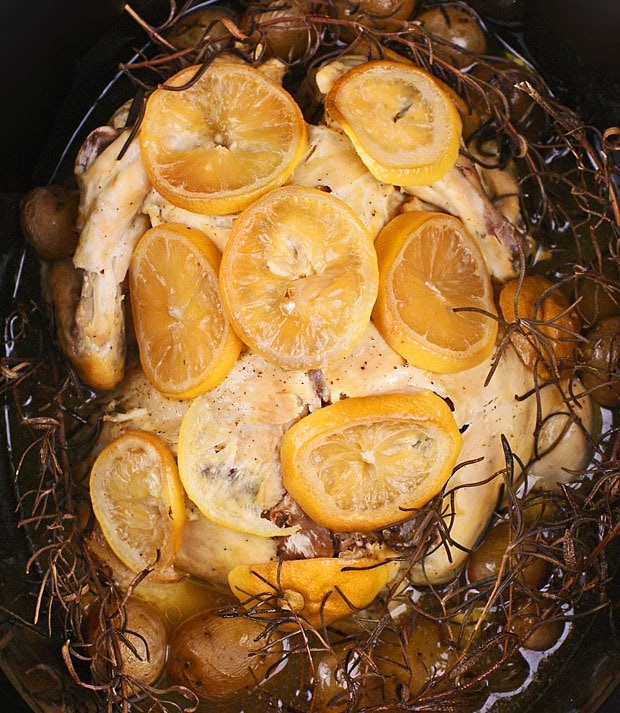 Slow Cooker Lemon, Garlic and Rosemary Chicken at This Mama Cooks! On a Diet - thismamacooks.com