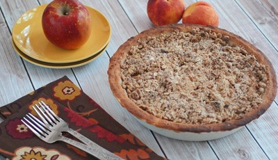 Gluten Free Oatmeal Crumb Apple Peach Pie