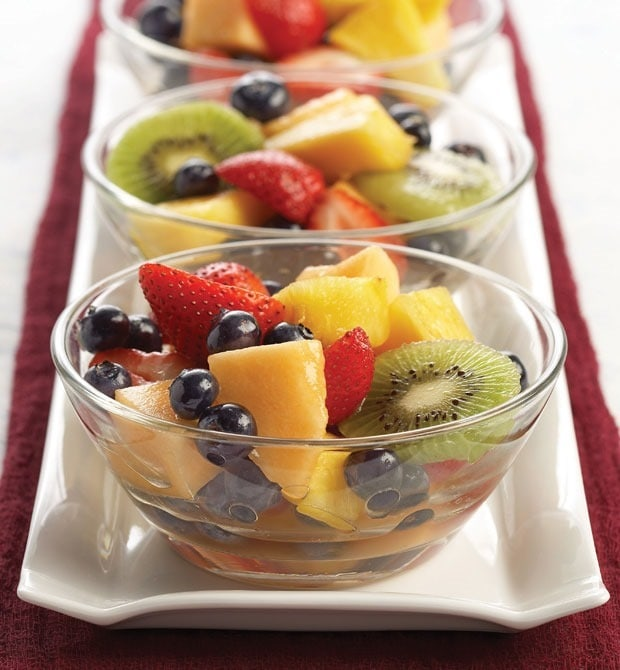 Very Vanilla Fruit Salad from This Mama Cooks! On a Diet - thismamacooks.com