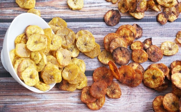 Baked Plantain Chips at This Mama Cooks! On a Diet - thismamacooks.com