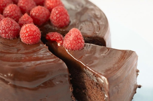 Shirley's Eggless Chocolate Cake at This Mama Cooks! On a Diet - thismamacooks.com