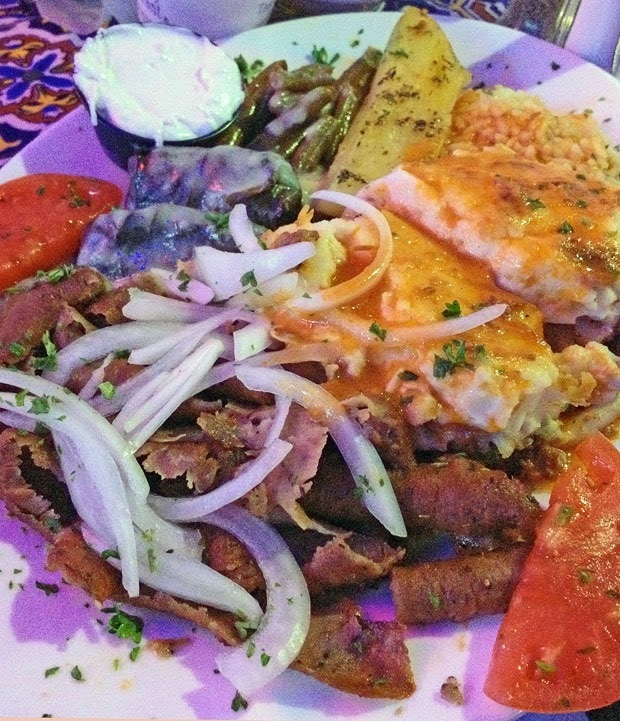 Combo platter at Hellas Bakery Restaurant - This Mama Cooks! On a Diet Travels - thismamacooks.com