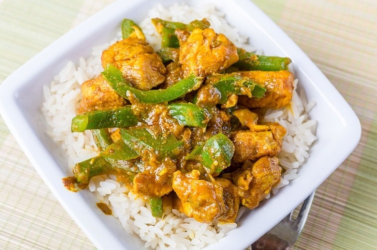 Slow Cooker Sweet Chicken Curry at This Mama Cooks! On a Diet - thismamacooks.com