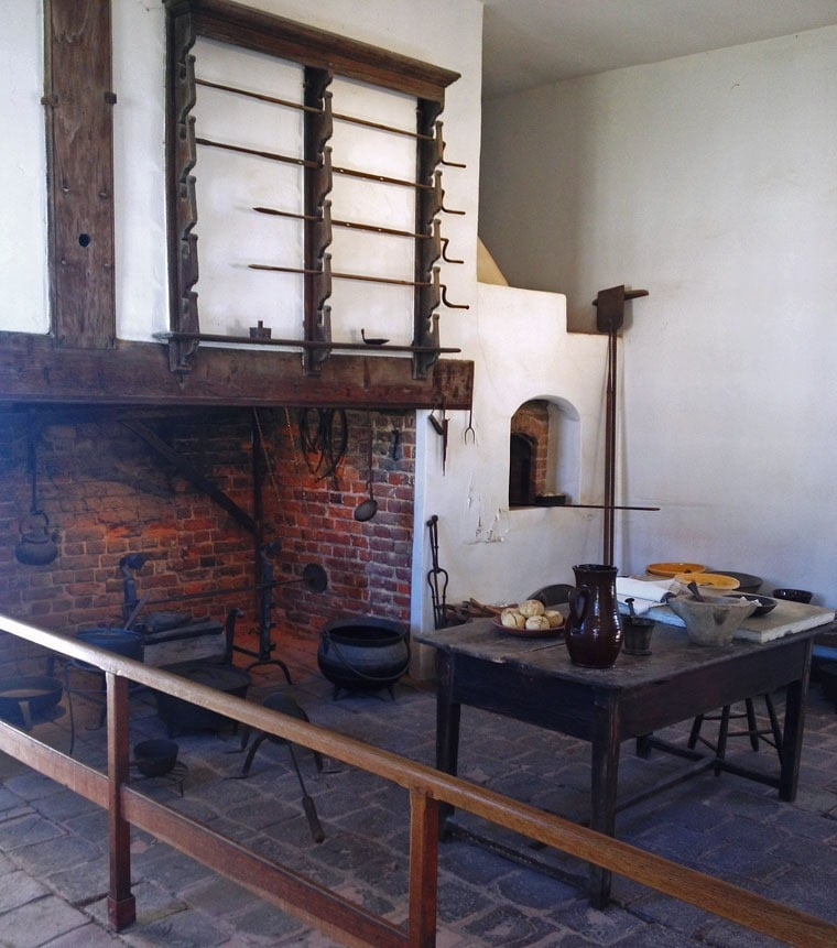 The kitchen at George Washington's Mt Vernon at This Mama Cooks! On a Diet - thismamacooks.com
