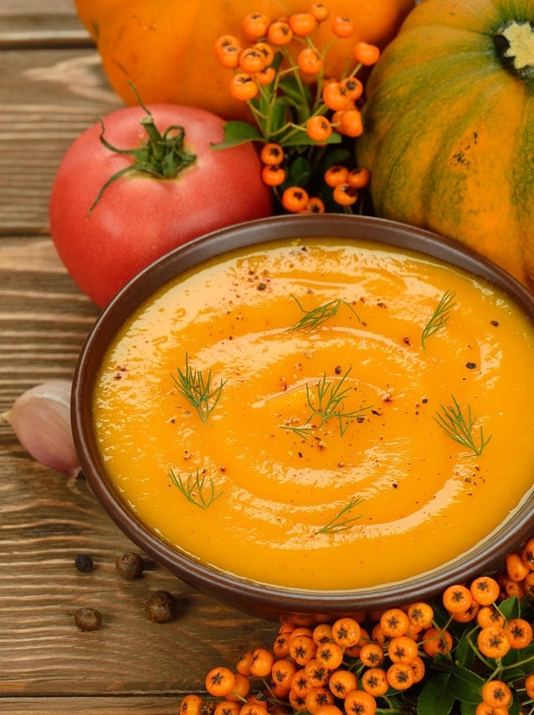 Healthy Vegetarian Pumpkin Soup at This Mama Cooks! On a Diet - thismamacooks.com