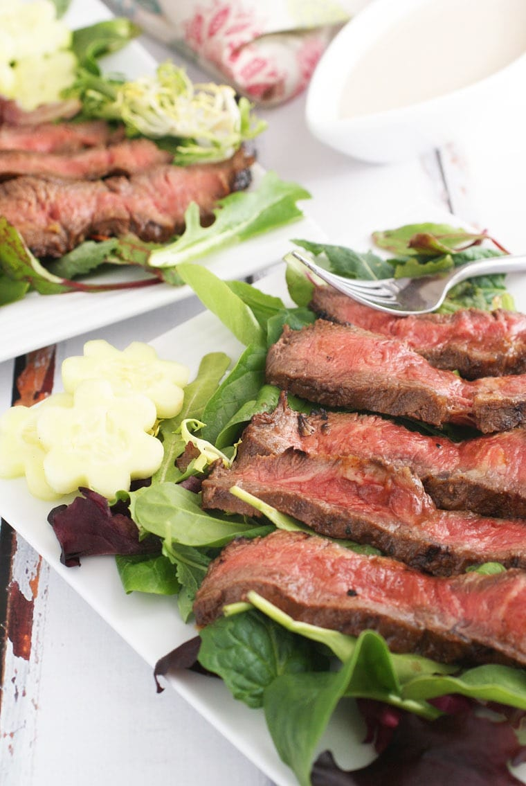 Perfect for Sunday brunch! Get the recipe for Grilled Flatiron Steak Salad with Yogurt Dressing from This Mama Cooks! On a Diet