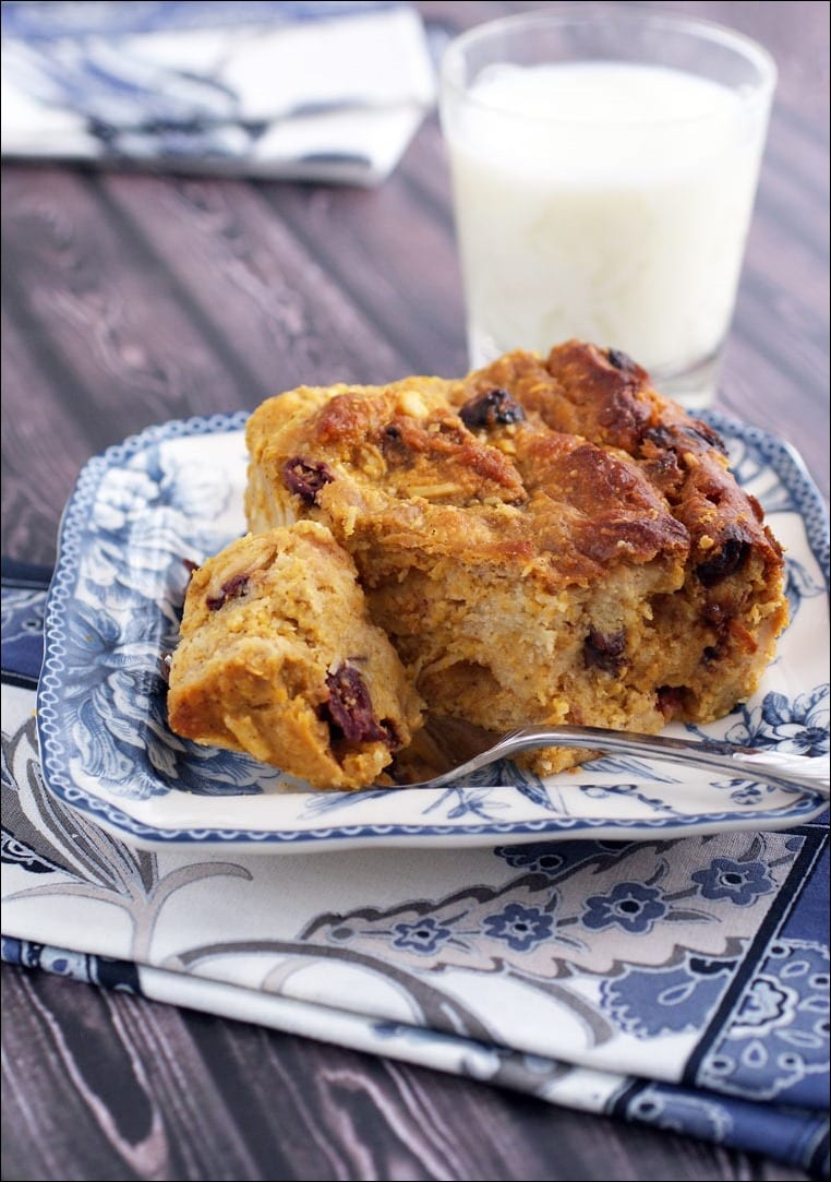 Just because you're gluten free doesn't mean you can't have bread pudding. Get the recipe for this yummy Gluten Free Pumpkin and Cranberry Bread Pudding at This Mama Cooks! On a Diet