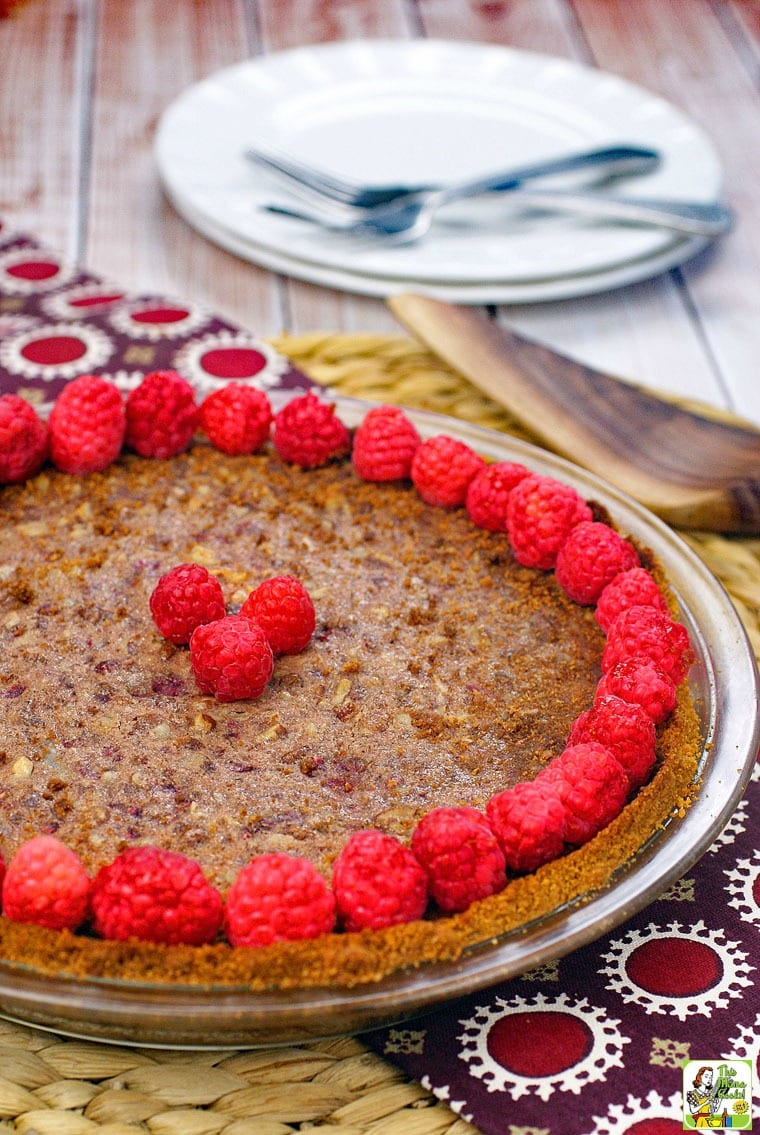 Easy pecan pie recipe for Thanksgiving: Gluten Free Raspberry Pecan Pie