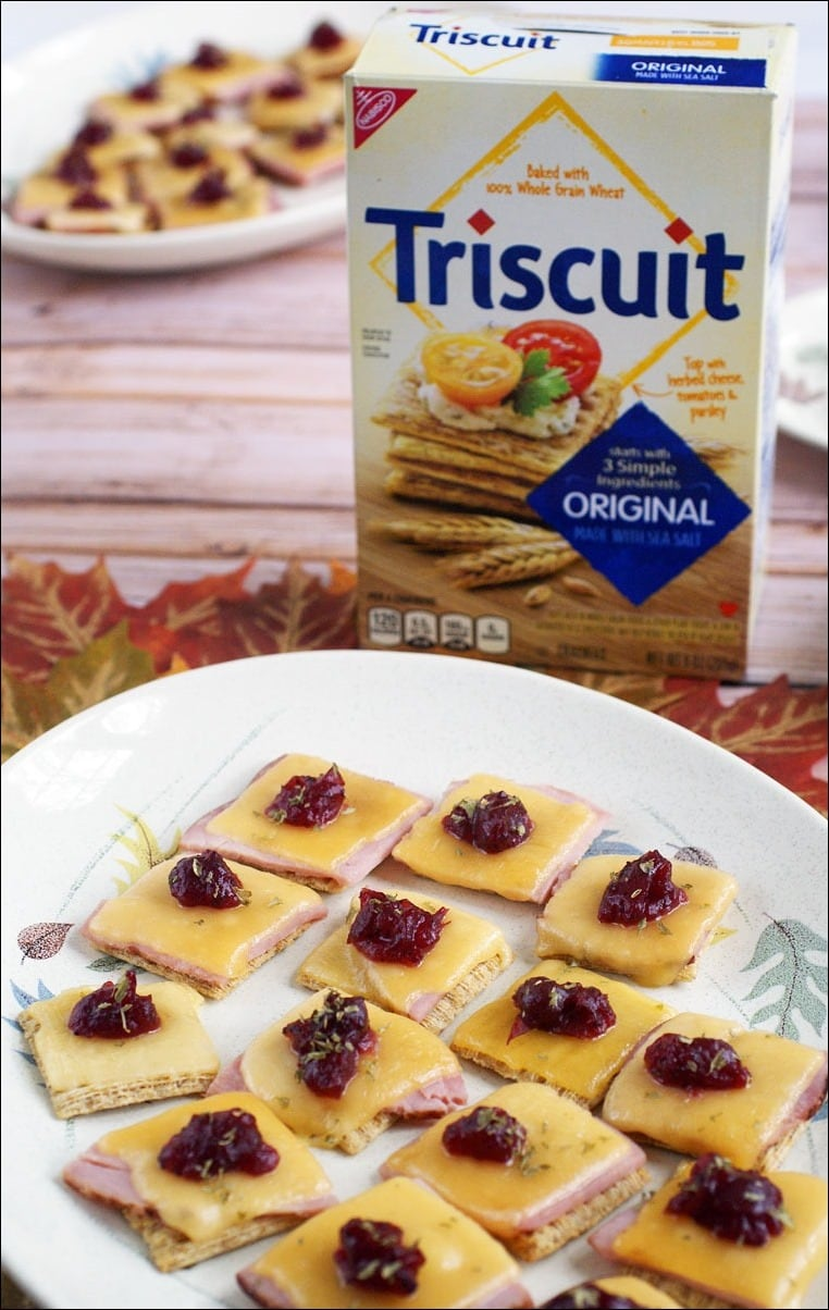 Need an appetizer party recipe for Thanksgiving? Try this Ham & Gouda Triscuit Toppers! Get the easy five minute recipe at This Mama Cooks! On a Diet