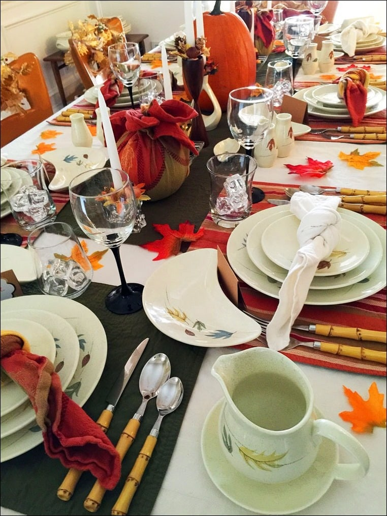 Get 10 Tips for Setting the Perfect Thanksgiving Table such as Keep Food Items Accessible at This Mama Cooks! On a Diet