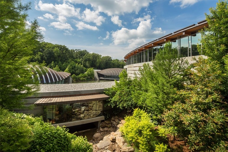 Wondering what to do with kids in Bentonville, Arkansas? Try the Crystal Bridges Museum of American Art. Learn more fun things to do in Northwest Arkansas at This Mama Cooks! On a Diet.