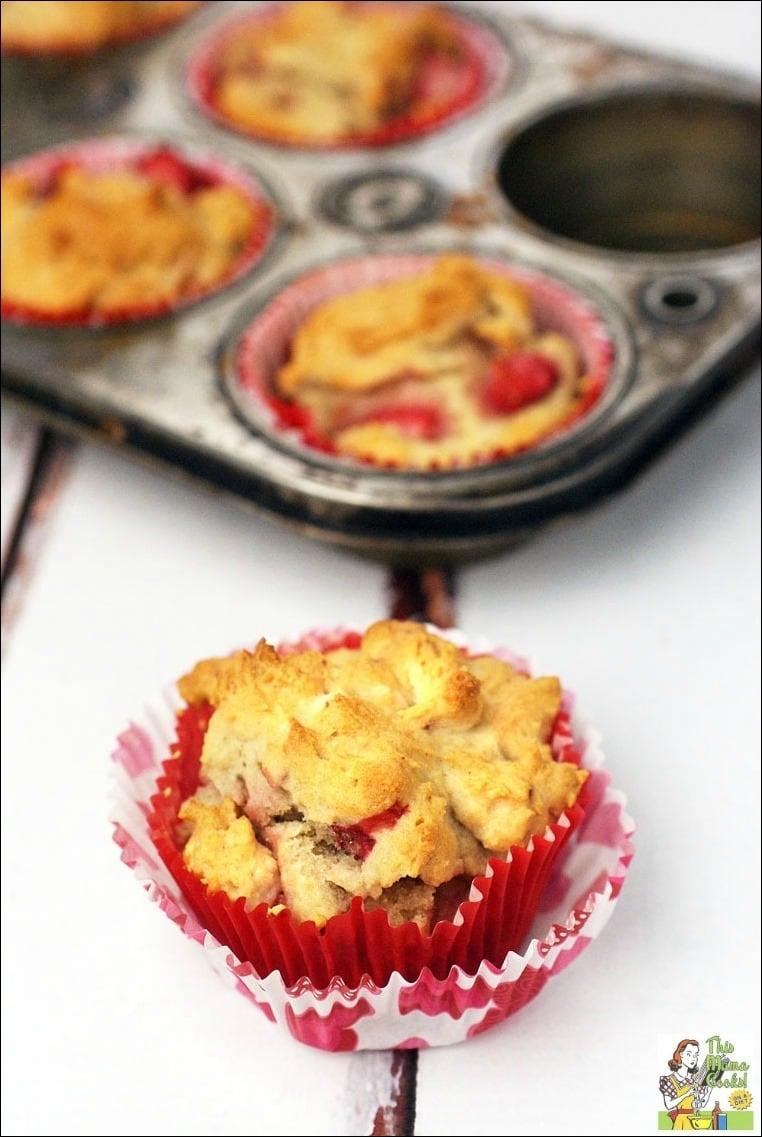 gluten free? This easy to make Gluten Free Strawberry Yogurt Muffins ...