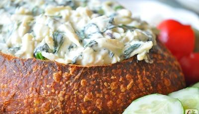 Easy Hot Crab Spinach Dip Baked in French Bread