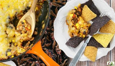 Make this Easy Nachos Recipe for your Big Game watching party!