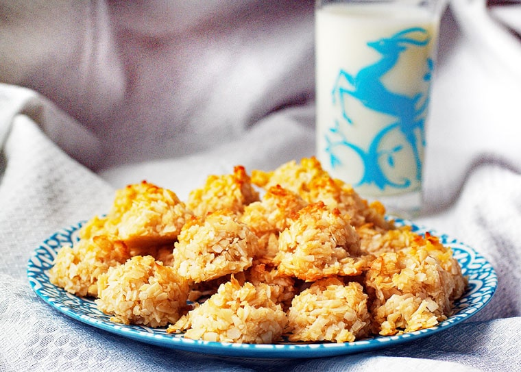 Easy Coconut Macaroons Recipe This Mama Cooks On A Diet