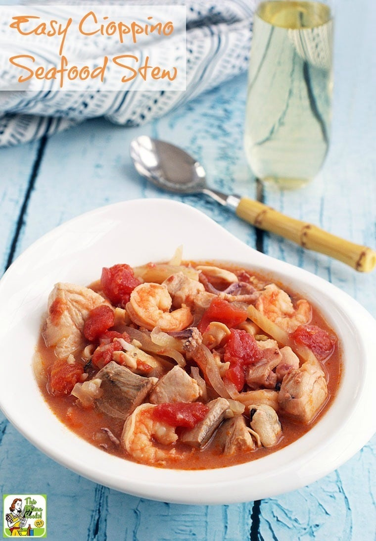 Looking for a fish soup recipe that's easy and healthy? Click to get this Easy Cioppino Seafood Stew recipe!