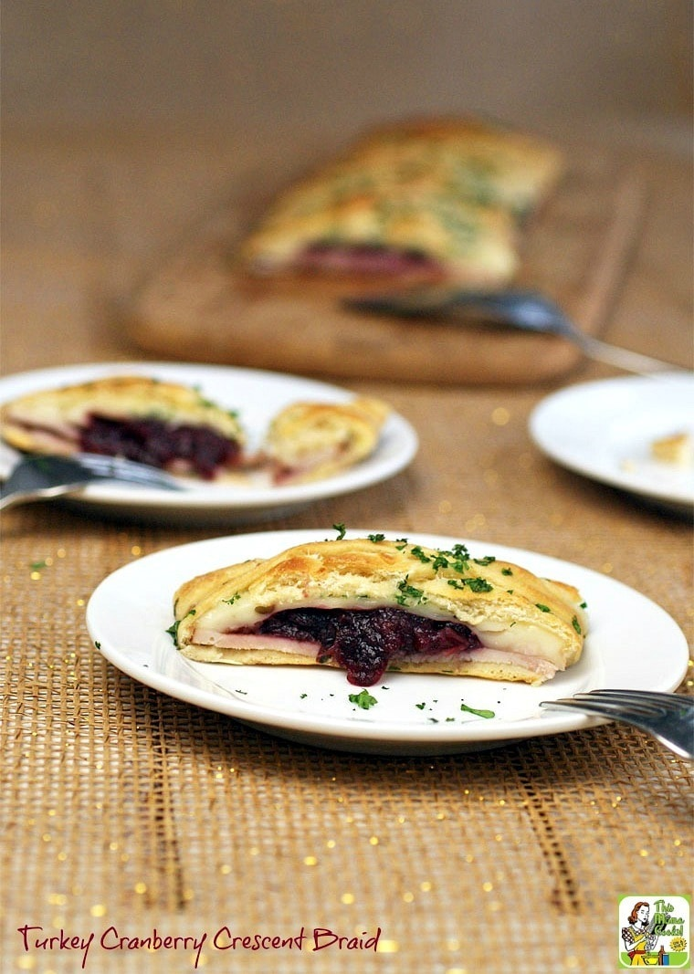 Looking for an easy to make crescent roll appetizers? Try this Turkey Cranberry Crescent Braid. Click to learn how to make this crescent dough appetizer recipe.