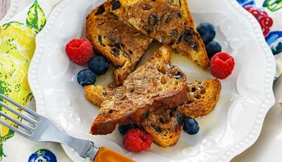 Your family will love this gluten free Quick & Easy French Toast recipe!