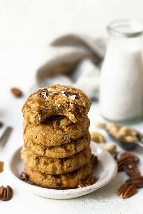 Gluten Free Thanksgiving Desserts - Salted Caramel Pecan Cookies from The Movement Menu
