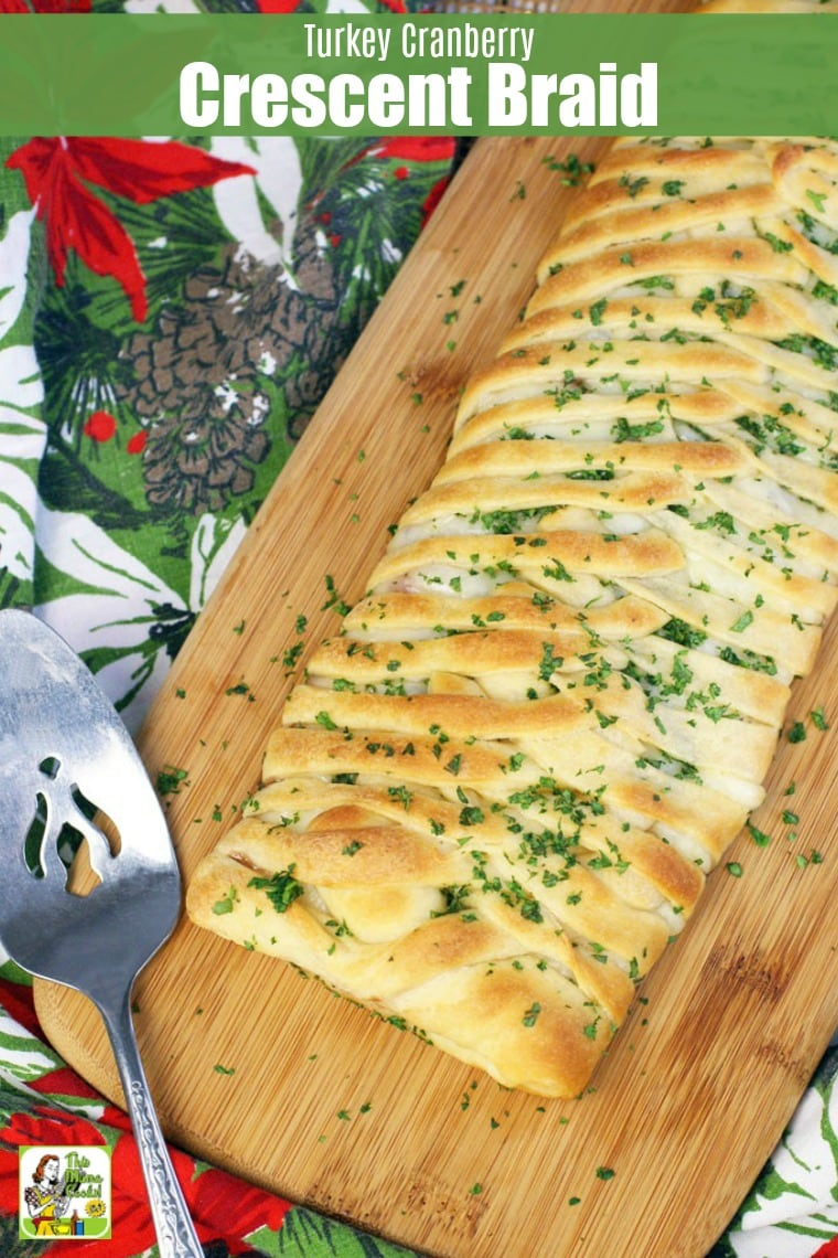Use leftover turkey and cranberry sauce this Turkey Cranberry Crescent Braid recipe. This crescent roll dinner recipe makes a tasty appetizer. #recipes #easy #recipeoftheday #easyrecipe #easyrecipes #dinner #easydinner #dinnerrecipes #dinnerideas #thanksgiving #thanksgivingrecipes #christmas #christmasrecipes #partyfood #appetizers #appetizerrecipes #turkey #cranberries #leftovers