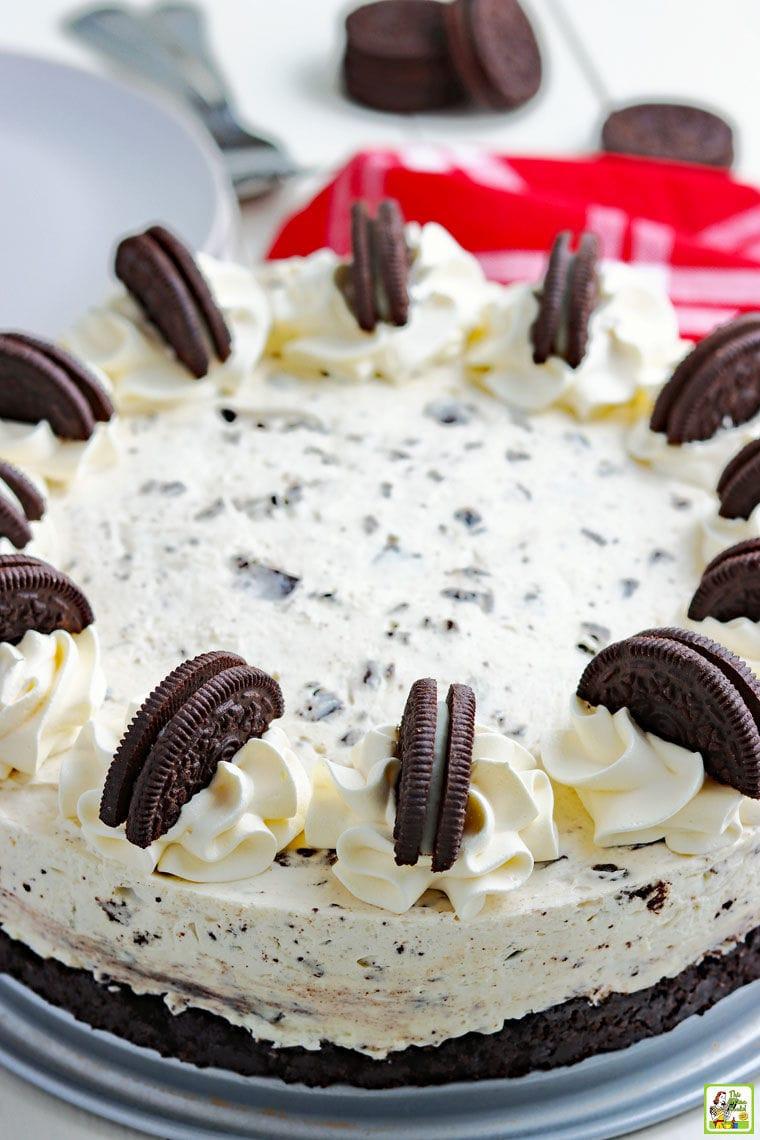 A whole creamy Oreo cheesecake.