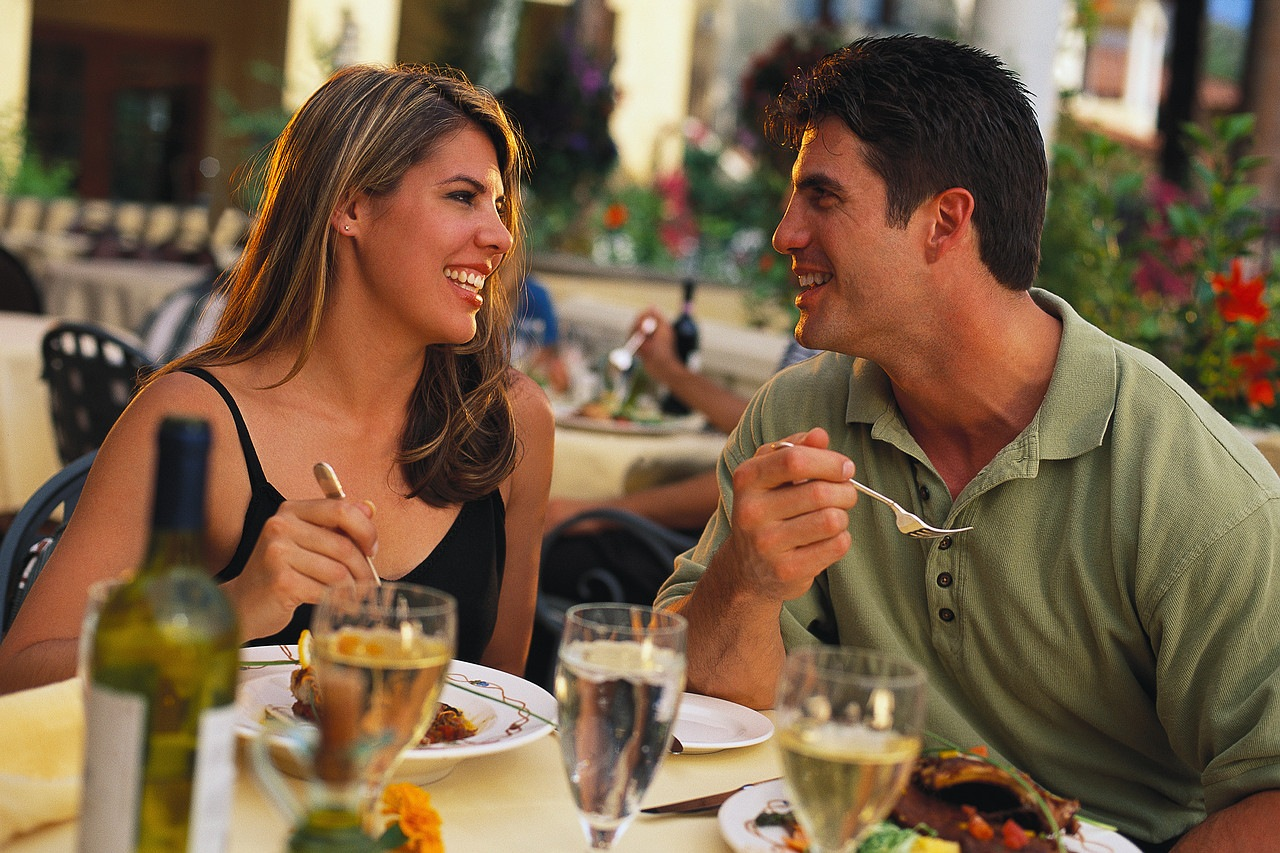 going out dating Getting back into the dating game can be  8 things to know about someone before you date them  but i pretty much insist on going out to eat the first time i.