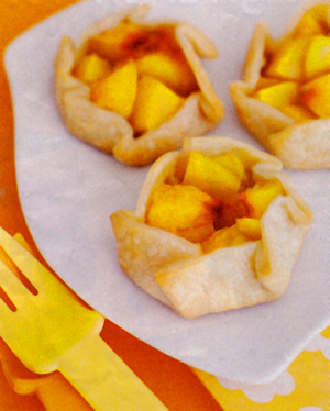 Mini peach pies | This Mama Cooks! On a Diet™
